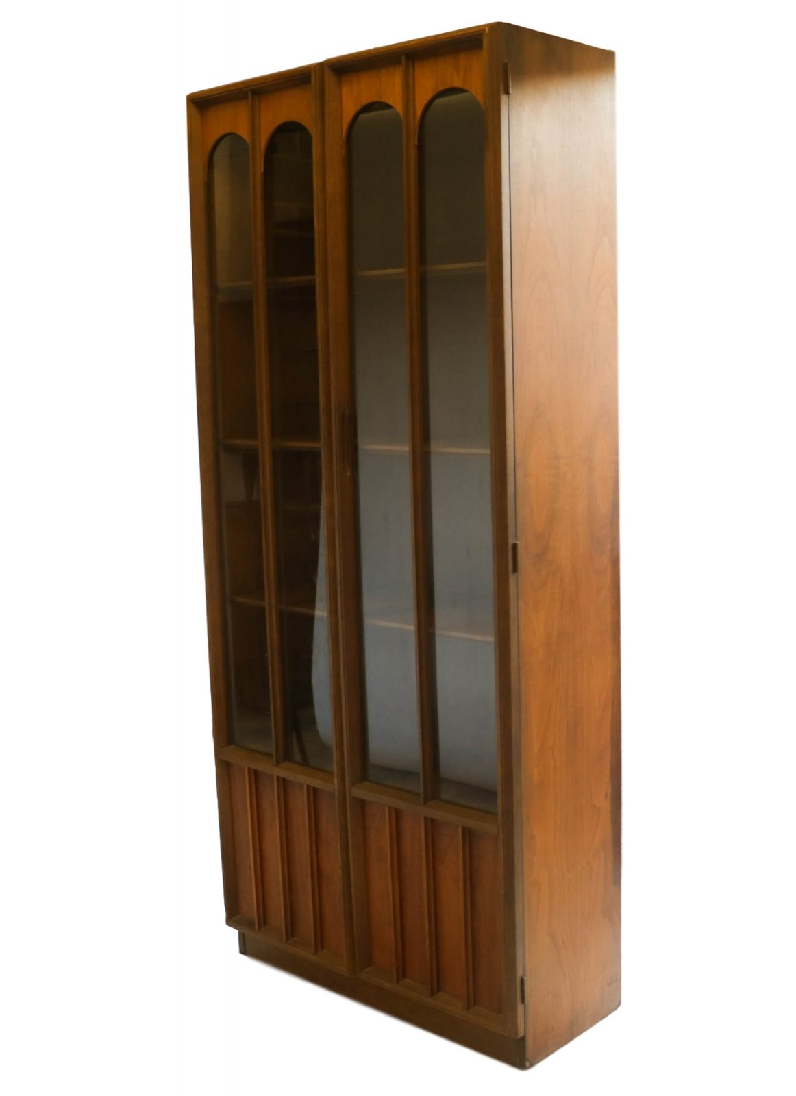 Beautiful Mid Century Modern Curio Display Cabinet