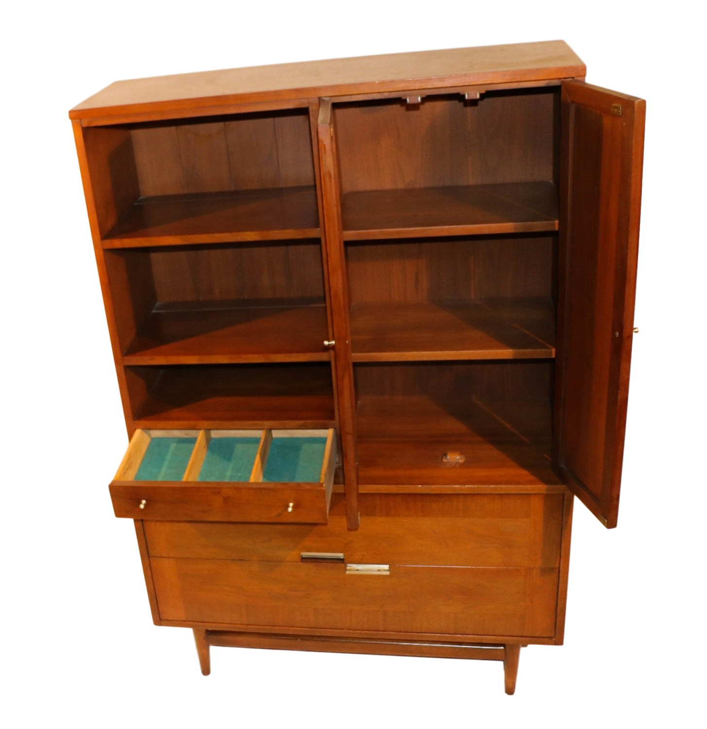 Picture of: Mid Century Modern American Of Martinsville China Cabinet Hutch