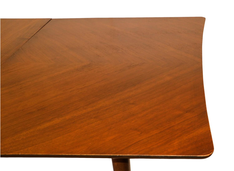Mid century modern american of martinsville walnut dining for Mid century american furniture