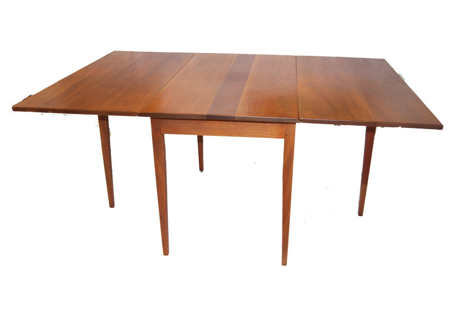 A Federal Style Mahogany Drop Leaf Table