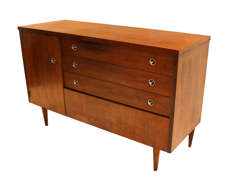 Image of: Mid Century Modern Bassett Dresser Credenza