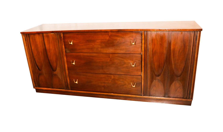 Broyhill Brasilia Mid Century Walnut Credenza Triple Dresser