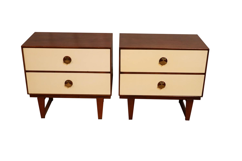 Mid Century Modern Stanley Furniture Spade Handle Nightstands