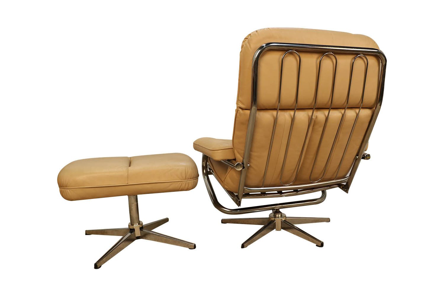 Image of: Mid Century Modern Chrome Leather Recliner Chair And Ottoman Set
