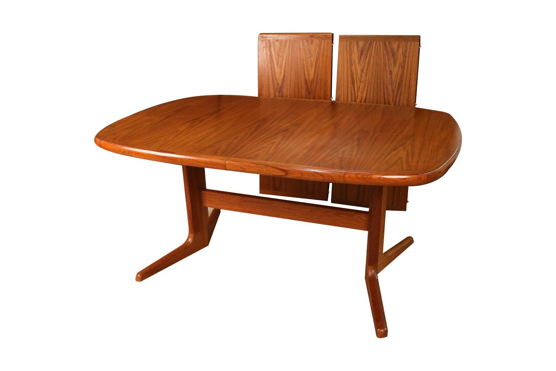 Mid Century Modern Expandable Teak Dining Table
